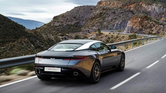 ... Aston Martin DB11 ...